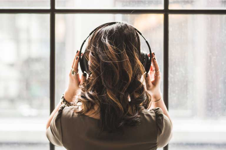 how-to-relieve-stress-and-anxiety-listen-music